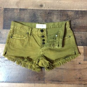 NWOT Free People button-fly jean shorts 24